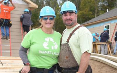 Garth Brooks & Trisha With Habitat for Humanity